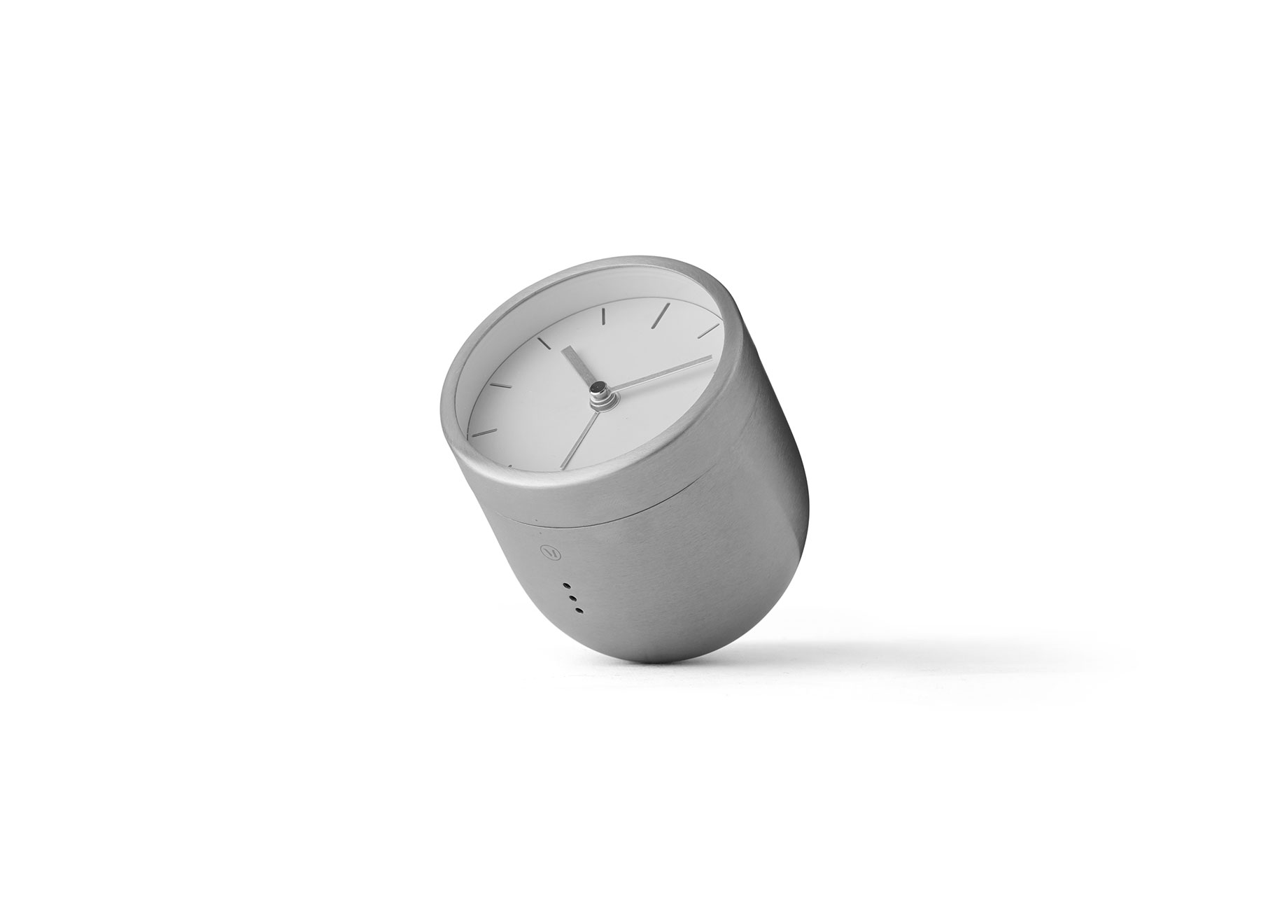 steel_tumbler_alarm_clock_norm_architects-002